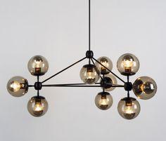 Modo chandelier 10 globes black smoke de Roll & Hill | Iluminación general