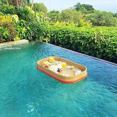 Tag who you'd have brunch with  Floating brunch at Ayana Resort and Spa - Bali  Pic  @Wonderful_Meals follow them for delicious food posts!!!