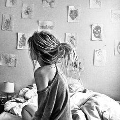 Weibliche Dreadlocks ♥♥♥ rasta Braids life Weibliche Dreadlocks ♥♥♥ You can find Dreadlocks and more on our website. Hippie Dreads, Dreadlocks Girl, Dread Braids, Locs, Thin Dreads, Blonde Dreads, Dreadlock Styles, Dreads Styles, White Girl Dreads