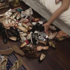 Skins Uk, Vanessa Abrams, Jenny Humphrey, Old Money, Jessica Day, Teenage Dream, Rich Girl, Photo Dump, Chuck Bass