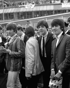 NME News Paul McCartney reveals unseen Beatles photograph from band's final gig at Candlestick Park | NME.COM