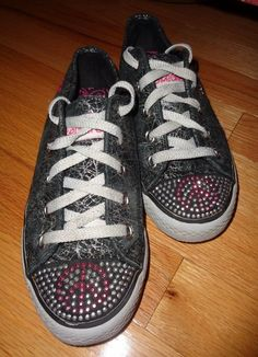 5ce17d1b1cad Girl SKECHERS Sneakers Size 2.5 Youth 2 1 2 Sparkle PEACE sign - Foot 8.25
