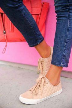 69 melhores imagens de Sapatos! no Pinterest em 2018  c9b1b16a25a41