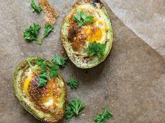 Ägg gratinerat i avokado | Recept från Köket.se
