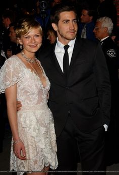 Jake Gyllenhaal with Kirsten Dunst, 2004, Vanity Fair Oscars Party