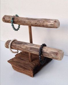 drift wood jewelry hanger - to display jewelry at a craft fair www.1planet7billionworlds.com #JewelryDisplays