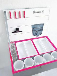 Tutorial fai da te: Come fare un organizer riciclando una cassetta da vino via DaWanda.com