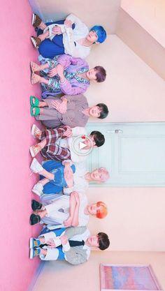 BTS # 2019 - # Wallpaper - [board_name] - Hintergrundbild Bts Lockscreen, Bts Jungkook, Bts Group Picture, Bts Group Photos, Foto Bts, Les Bts, Bts Backgrounds, Applis Photo, Bts Korea