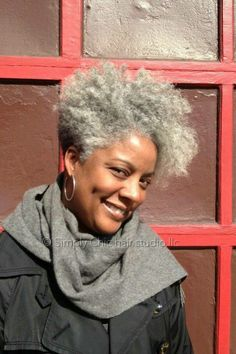 We've gathered our favorite ideas for 4 Natural Hair Breakage Treatment Tips Natural Gray And, Explore our list of popular images of 4 Natural Hair Breakage Treatment Tips Natural Gray And in black woman with silver hair. Natural Beauty Tips, Natural Hair Care, Natural Hair Styles, Hair Breakage Treatment, Pelo Afro, Pelo Natural, Grey Hair, White Hair, Black Hair