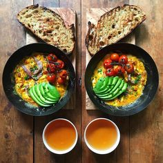 In British photographer Michael Zee made a simple breakfast that started a phenomenon. He noticed the food–an omelette with avocado and Delicious Dinner Recipes, Good Healthy Recipes, Yummy Food, Healthy Spring Rolls, New Cookbooks, How To Make Breakfast, Photo Instagram, Everyday Food, Love Food