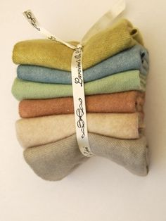 ~ naturally dyed wool ~