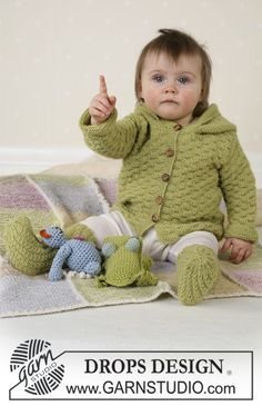 BabyDROPS 14-3 - Jacket, jumpsuit, socks, soft toys and blanket in Alpaca - Free pattern by DROPS Design