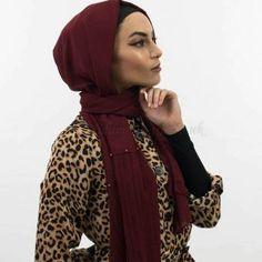 Side Pleat Chiffon Hijab Rosewood Hijab Dress Party, Hijab Outfit, Modest Wear, Modest Outfits, Fashion Group, Girl Fashion, Hijab Fashion, Fashion Outfits, Hijab Chic