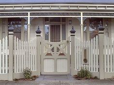 Driveway Gates - All Day Fencing Front Yard Fence, Front Gates, Diy Fence, Fence Ideas, Gate Ideas, Entrance Ideas, Door Ideas, Wooden Fence Panels, Wooden Gates