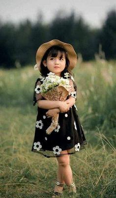 Little Girl Photos, Cute Kids Pics, Cute Baby Girl Pictures, Beautiful Little Girls, Cute Little Girls, Beautiful Children, Little Girl Photography, Cute Kids Photography, Hair Photography