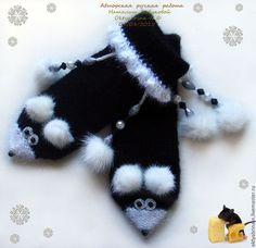 """Купить Варежки """"Мышки в стильных чёрненьких пальтишках"""" - авторские аксессуары, тёплые варежки, подарок маме"""