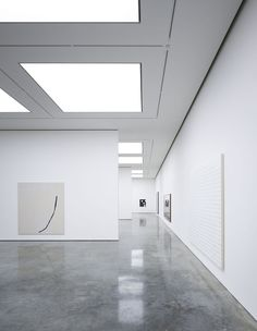 Conversion and extension of an existing 1970 warehouse into a contemporary art gallery complex. More than 5440 m2 of existing warehouse space were transformed to provide several exhibition spaces each with their own character, a suite of private viewin...
