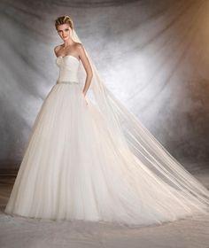 Vestidos de novia con falda voluminosa 2017: Luce como un auténtica princesa Image: 35