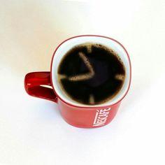 Nescafé Coffee Advertising, Creative Advertising, Advertising Poster, Advertising Design, Ad Design, Logo Design, Coffee Photos, Nescafe, Creative Photography