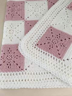 Crochet Blanket Pattern – Arielle's Square – Easy Granny Square Pattern – Throw Afghan – by Deborah O'Leary Patterns Decke Häkelanleitung Arielle Square von DeborahOLearyPattern Point Granny Au Crochet, Crochet Squares Afghan, Easy Crochet Blanket, Crochet Blanket Patterns, Knitted Blankets, Crochet Baby, Knitting Patterns, Baby Patterns, Crochet Gifts