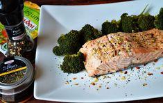 Somon cu broccoli - CAIETUL CU RETETE Healthy Recipes, Healthy Foods, Broccoli, Pork, Meat, Kale Stir Fry, Health Foods, Healthy Groceries, Healthy Eating Recipes