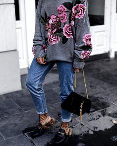 Manual de uso: cómo llevar fishnets según las #instagirls - 5. Flats + jeans | Galería de fotos 5 de 10 | Vogue México