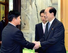 최고인민회의 상임위원회 위원장이 라오스고위청년대표단을 만났다