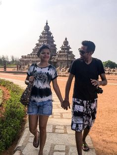 Top things to do in Mahabalipuram for history buffs. #1 is a visit to the shore temple , also add a catamarn ride to see the submerged temples.  #Mahabalipuram #India #History #Travel