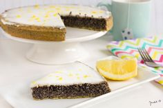 Poppy Seed Cake with Lemon Curd. Healthy easy and exciting cake with poppy seed lemon egg and sweetener. (in Hungarian) Diabetic Recipes, Diet Recipes, Cooking Recipes, Healthy Recipes, Poppy Seed Cake, Candida Diet, Lemon Curd, Low Sugar, Paleo