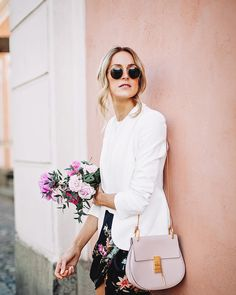 Wedding guest look for a Scandinavian summer wedding with a white blazer and a pretty floral skirt - Anna, Arctic Vanilla blog.