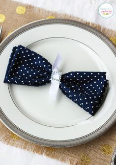 Get fancy with quick and easy DIY bow tie table settings.