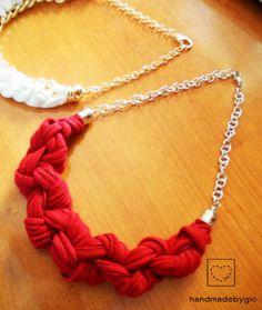 Collana-stoffa-cotone-annodata-rossa-catena-oro-HandmadebyGio-necklace https://www.facebook.com/handmadebygia