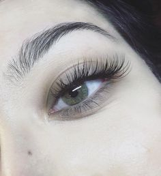 Full set Lash Extensions done by Kayleigh