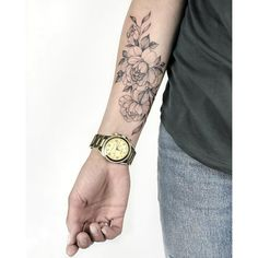 50 Chic And Sexy Arm Floral Tattoo Designs You Must Know - Page 20 of Forearm Flower Tattoo, Small Forearm Tattoos, Flower Tattoos, Small Tattoos, Inner Wrist Tattoos, Cute Tattoos, Beautiful Tattoos, Body Art Tattoos, Sleeve Tattoos