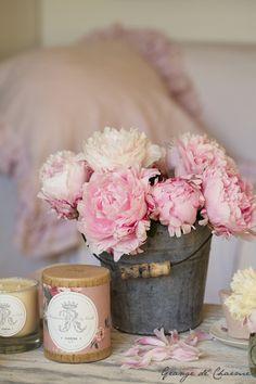 Lovely pink peonies via ♔ Grange de charme : Love, love, love pink peonies ♥