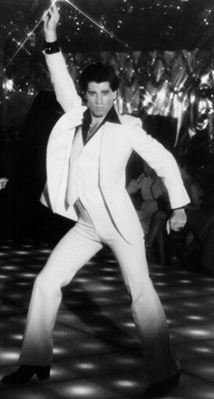 Saturday Night Fever was one of the biggest films of 1977 helped to popularise disco music around the world. The Saturday Night Fever soundtrack featured disco songs by the Bee Gees. John Travolta, Glee, Saturday Night Fever, Love Movie, Movie Tv, Movie Songs, Movies Showing, Movies And Tv Shows, Karen Lynn Gorney
