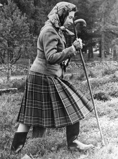 +~+~ Vintage Photograph ~+~+   Queen Elizabeth ll enjoying a brisk walk around Balmoral.
