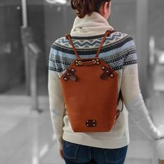 Handmade spanish vachetta leather backpack. Leather Backpack, Fashion Backpack, Spanish, Backpacks, Studio, Handmade, Bags, Women, Santas Workshop