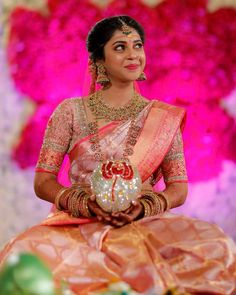 South Indian Wedding Saree, Indian Bridal Sarees, Wedding Silk Saree, Indian Bridal Outfits, Indian Bridal Fashion, South Indian Bride, Half Saree Designs, Bridal Blouse Designs, Kanchipuram Saree Wedding