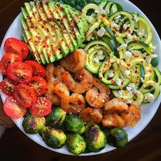 Also check for more . Delicious And Healthy Meal! details 👉🏻 Sautéed shrimp (cooked in choice of seasoning and garlic ghee for about 10 minutes on medium heat) + roasted Brussels. Healthy Recipes, Healthy Meal Prep, Healthy Eating, Cooking Recipes, Healthy Food, Keto Meal, 7 Keto, Detox Recipes, Healthy Chicken