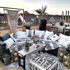 30 Boho Terraces And Patios That Inspire - Terrasse Patio Interior, Interior Design Living Room, Living Room Designs, Outdoor Spaces, Outdoor Living, Outdoor Decor, Boho Garden Ideas, Terrace Design, Patio Design