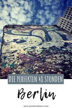 Städtereise Berlin in 2 Tagen. Sehenswürdigkeiten, Highlights und Tipps. Wir verraten euch was man in 2 Tagen in Berlin erleben kann. Die perfekten 48 Stunden in Berlin auf www.gindeslebens.com #Berlin #BerlinKurztrip #BerlinTipps #BerlinSehenswertes #BerlinSehenswürdigkeiten #BerlinHighlights #BerlinStädtereise #48StundenBerlin Berlin Highlights, Reisen In Europa, Yoga, City Photo, Trainer, Tricks, Gin, Movie Posters, Holidays
