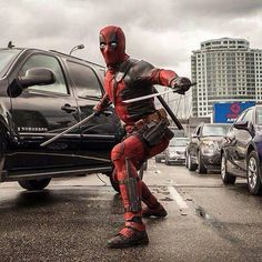 Page 1 - Empire has released three new images from Deadpool. The images feature Ryan Reynolds as Wade Wilson/Deadpool, Brianna Hildebrand as Negasonic. Deadpool Cosplay, Deadpool Film, Deadpool Photos, Deadpool 2016, Deadpool Facts, Deadpool Tattoo, Deadpool Stuff, Deadpool Funny, Comic Con