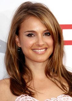 love Natalie's golden highlights here... When I gather the courage I think I'd like to try this hair color