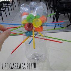 Vamos reciclar! Brincadeira que usa garrafa pet, tampinhas de garrafas e palitos de churrasco!