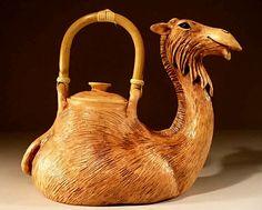 Anya Stasenko/ Slava Leontiev   http://www.veniceclayartists.stfi.re/ceramic-animal-art/?sf=kzkpjdg#ab