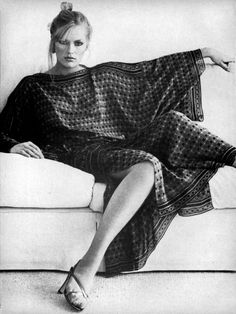 Patti Hansen looking to cool in her caftan. Vogue, 1977, photo  by Bob Richardson