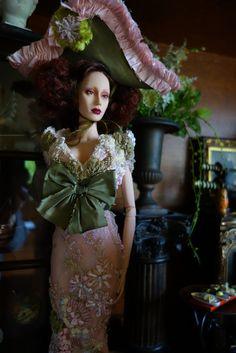 Eville wears Superdoll salon gown Rafiette