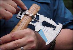 KLAX MULTI-TOOL  - http://www.gadgets-magazine.com/klax-multi-tool/