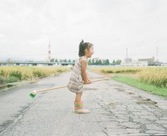 """Japanese photographer and dad Nagano Toyokazu has created a funny photo series titled """"Photogenic Princess"""" of his two little girls. Baby's Day Out, Planner Book, Love Film, Nagano, Photo Series, Happy Girls, Children Photography, Funny Photos, Kids Playing"""
